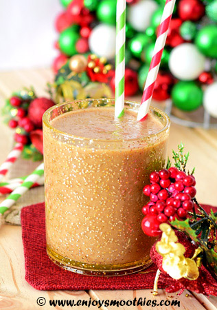 almond nog Christmas smoothie