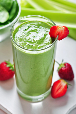 green strawberry anti-aging smoothie