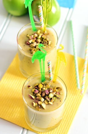 apple kiwifruit banana smoothie