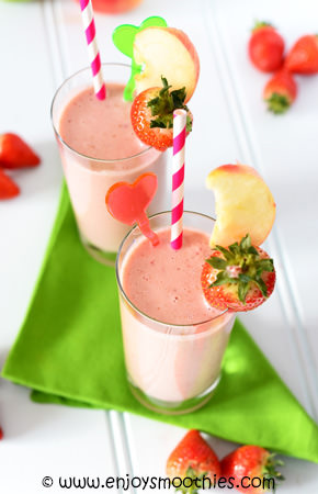 apple strawberry banana smoothie