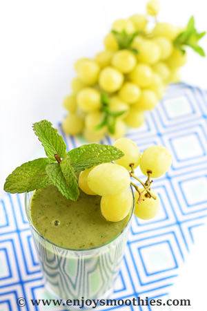 banana green grape smoothie