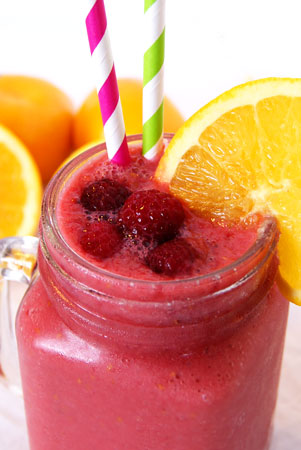 banana raspberry orange smoothie with frozen raspberries