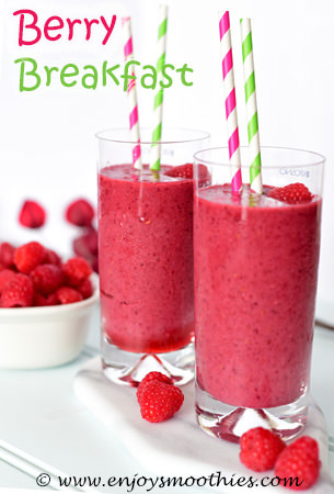 breakfast mixed berry smoothie