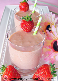 strawberry coconut smoothies made with peaches