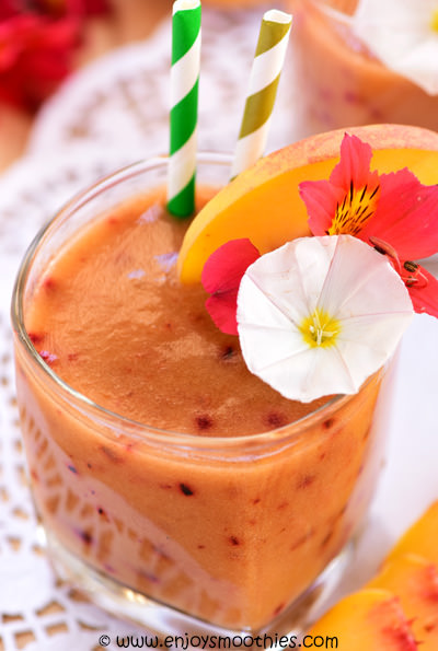 green tea smoothie with stone fruits