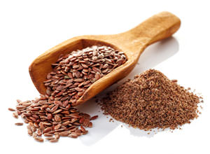 spoonful of flax seeds and ground flax