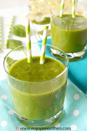 mango green smoothie with ginger and orange