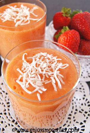 mango strawberry pineapple smoothie
