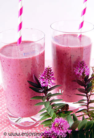 pear and mixed berry smoothies