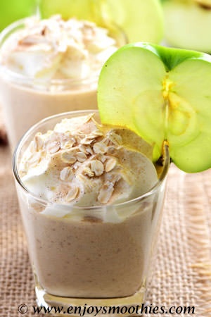 spicy banana apple smoothie