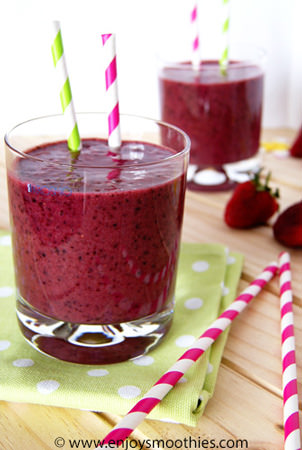 Strawberry blueberry coconut smoothie